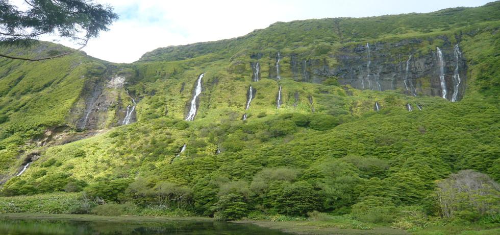 vista verde azores_Azoren_Flores_Wasserfälle