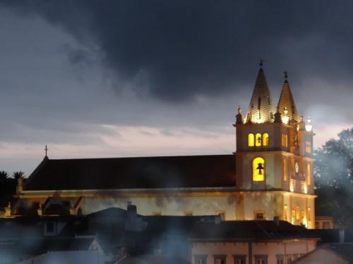 Terceira_Kathedrale in Angra Seitenansicht vista verde azores