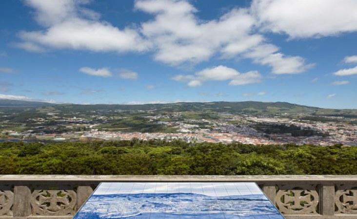 Azoren_Blick auf Angra do Heroísmo_Terceira